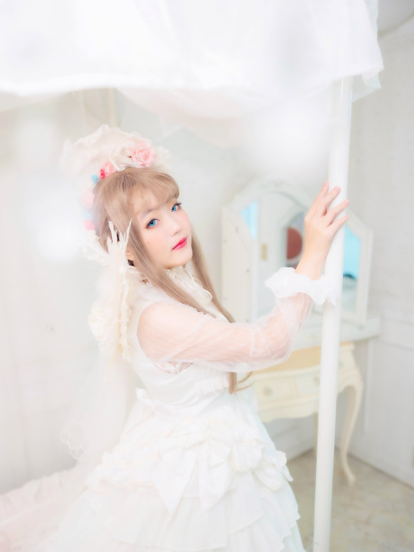 舞's 「Lolita」themed photo (2020/06/03)