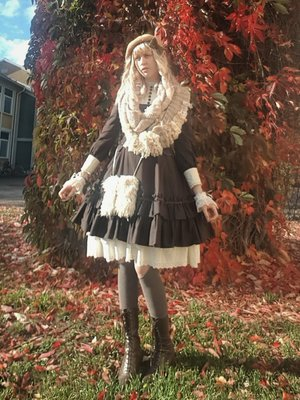 Sophia Magdalene's 「Mori Lolita」themed photo (2020/10/06)