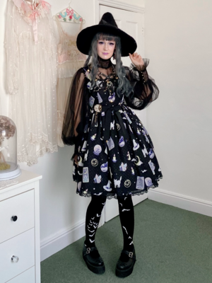 Violetnoir's 「Lolita」themed photo (2020/12/02)
