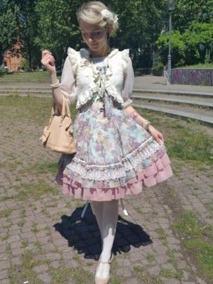 是Kia Rose以「Classic Lolita」为主题投稿的照片(2017/06/21)