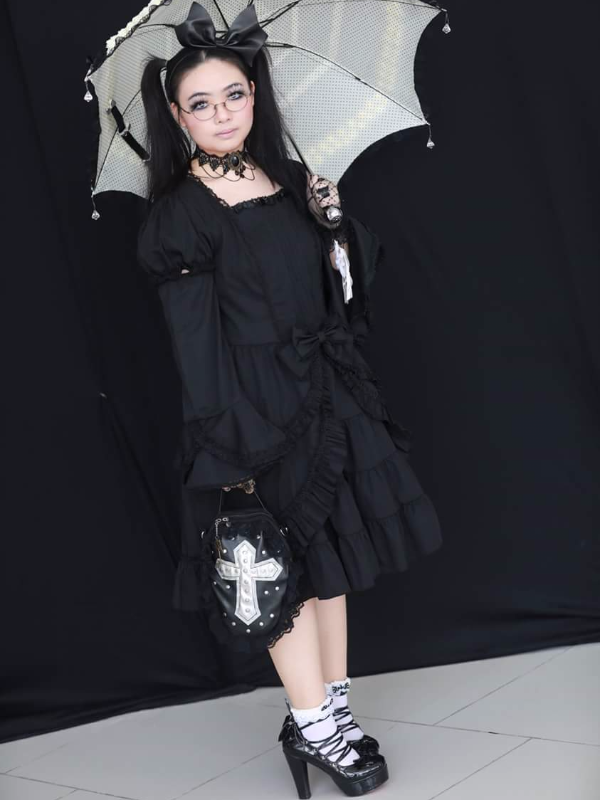 Qiqi's 「Gothic Lolita」themed photo (2017/07/24)