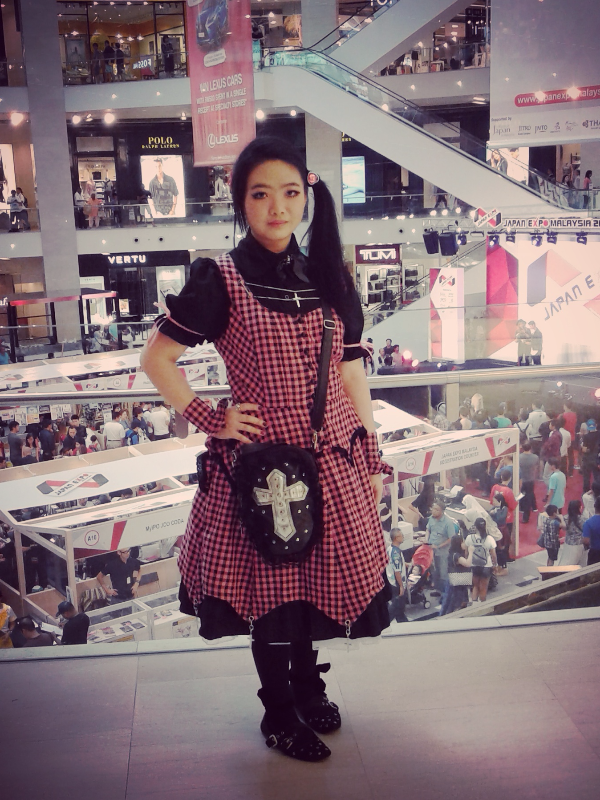 是Qiqi以「Gothic Lolita」为主题投稿的照片(2017/07/29)