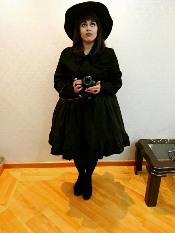 Roberta Brandão's 「Gothic」themed photo (2017/08/17)