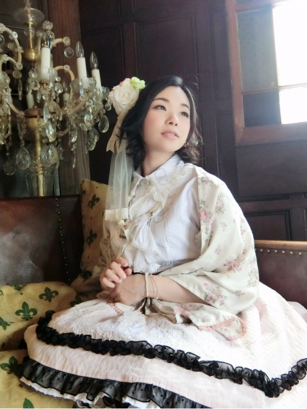 是ゆずぽむ以「白ピンクコーデ」为主题投稿的照片(2017/08/23)