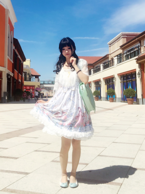Shiroya's 「薇光花园」themed photo (2017/08/25)