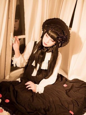 miya's 「Classical Lolita」themed photo (2016/07/29)