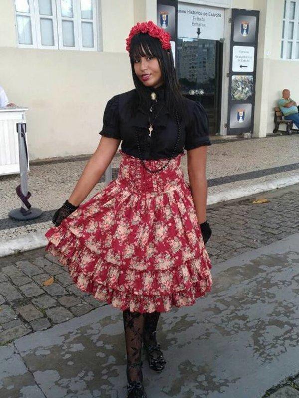 是Lay以「Lolita fashion」为主题投稿的照片(2017/09/25)