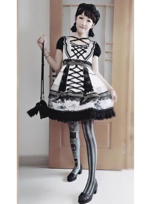 明明如月半の「Gothic」をテーマにしたコーディネート(2017/10/01)