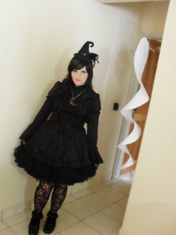Sariana's 「Gothic Lolita」themed photo (2017/10/06)