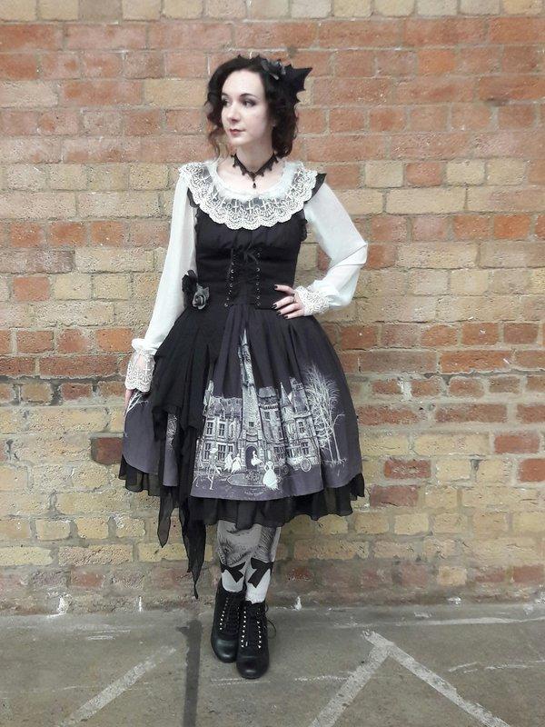 是Jo以「Gothic Lolita」为主题投稿的照片(2017/10/06)
