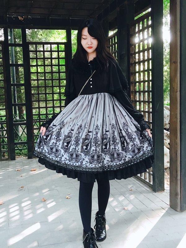 Shiroya's 「Classic Lolita」themed photo (2017/10/08)