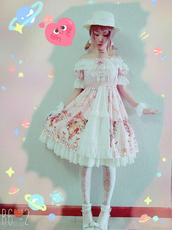 冻冻's 「Lolita」themed photo (2017/10/09)