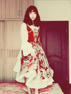日酱's 「red-is-my-color」themed photo (2017/10/12)