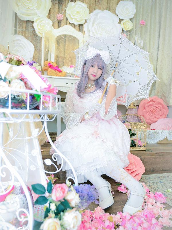 林柔萱's 「Lolita」themed photo (2017/10/17)