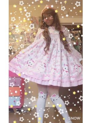 Marina 's 「Angelic pretty」themed photo (2017/10/18)