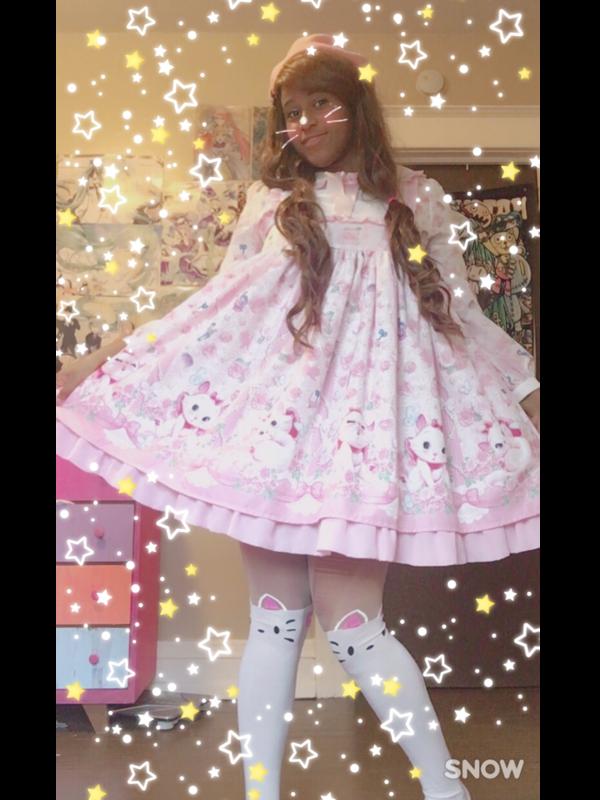 Marina 's 「Angelic pretty」themed photo (2017/10/18)