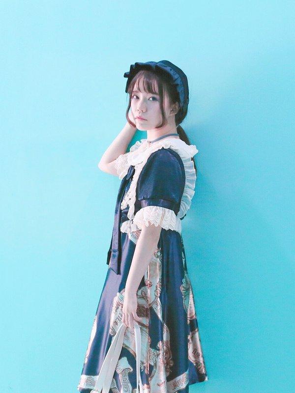 星船's 「Lolita」themed photo (2017/10/28)