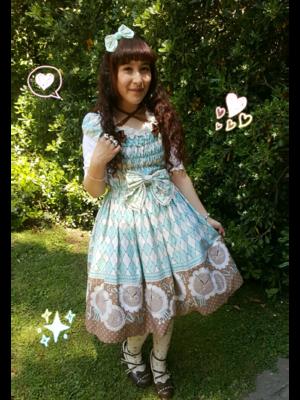 是Ahiri以「Lolita fashion」为主题投稿的照片(2017/10/29)